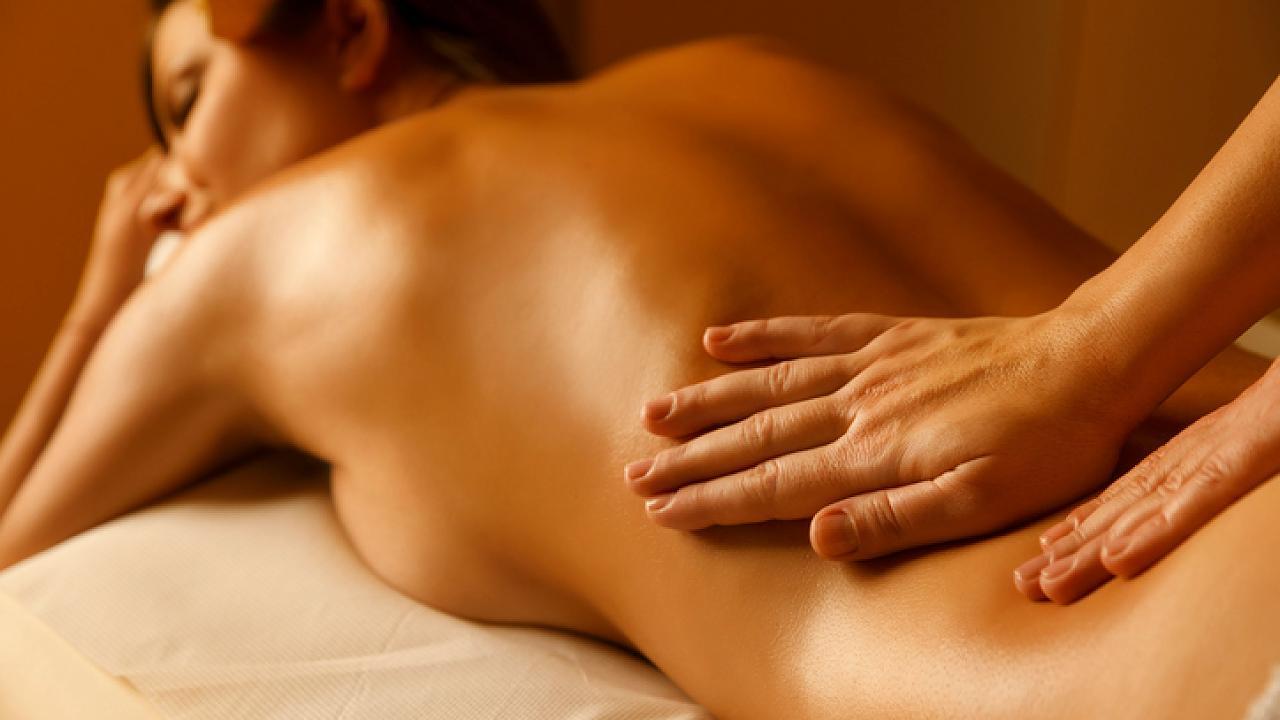 Tantra-Massage: Diese erotischen Griffe stimulieren die Lustpunkte von Frau und Mann – Video