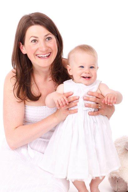 """Mütter, deren Antworten auf die Säuglinge """" Gesichts cues erhöhen report stärkere Bindungen mit den Babys"""