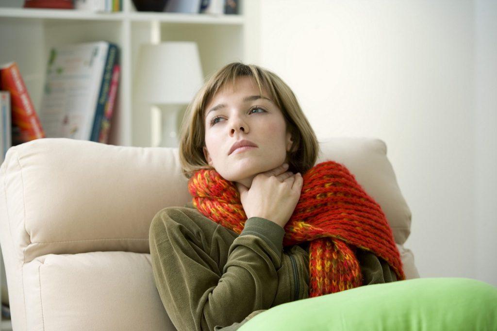 Bei Erkältungen: Was gegen lästige Halsschmerzen hilft