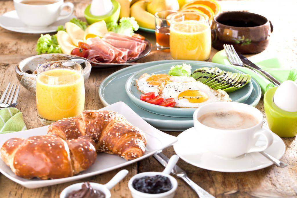 Konstante Folgen schlechter Ernährung – Wer so frühstückt bringt seine Gesundheit in Gefahr
