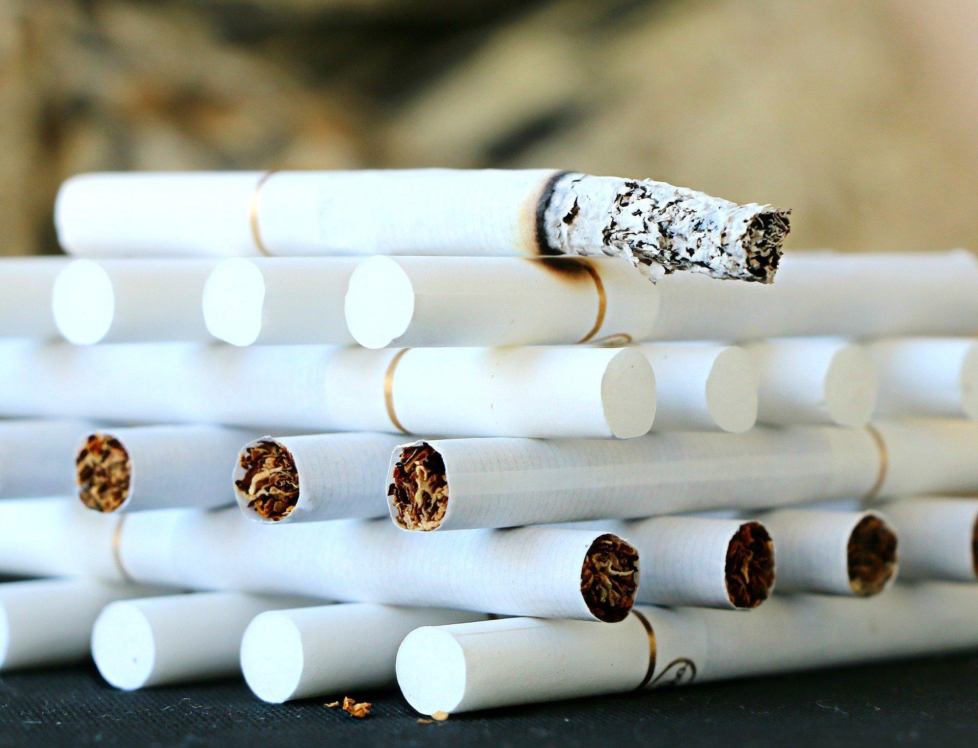 Hohes Risiko, alternative Tabakprodukte überproportional verkauft in einkommensschwachen Gemeinden