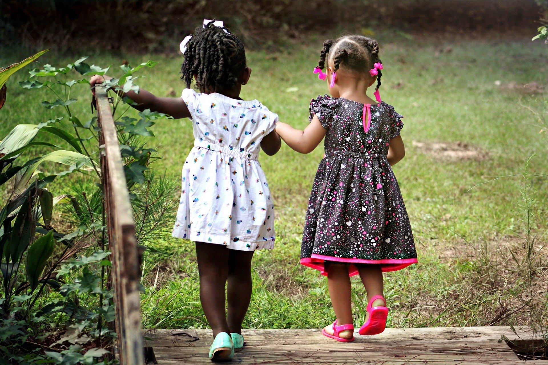 UNS Kinder zeigen eindeutige Beweise für die Neigung, an der Kreuzung von Rasse und Geschlecht