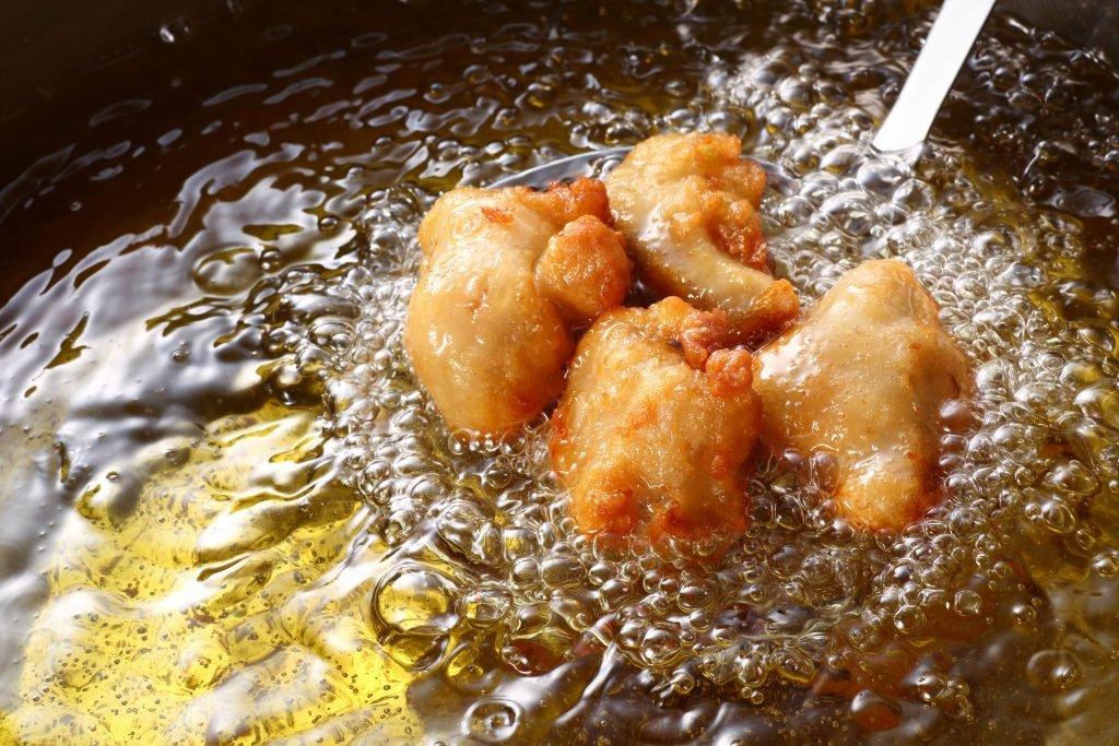 Studie: Gebratenes Hühnerfleisch erhöht die Risiken eines vorzeitigen Todes