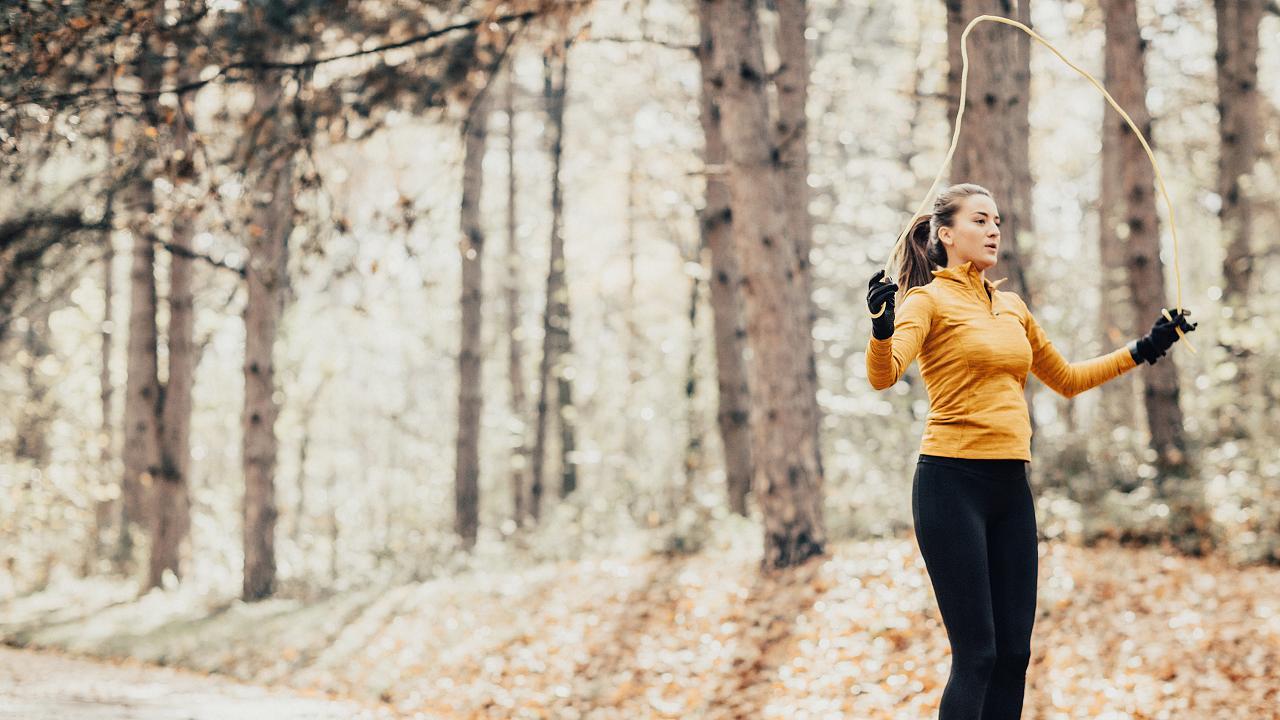 Joggen oder Rad fahen? Mit diesen Sportarten verbrennst du besonders viel Kalorien – Video