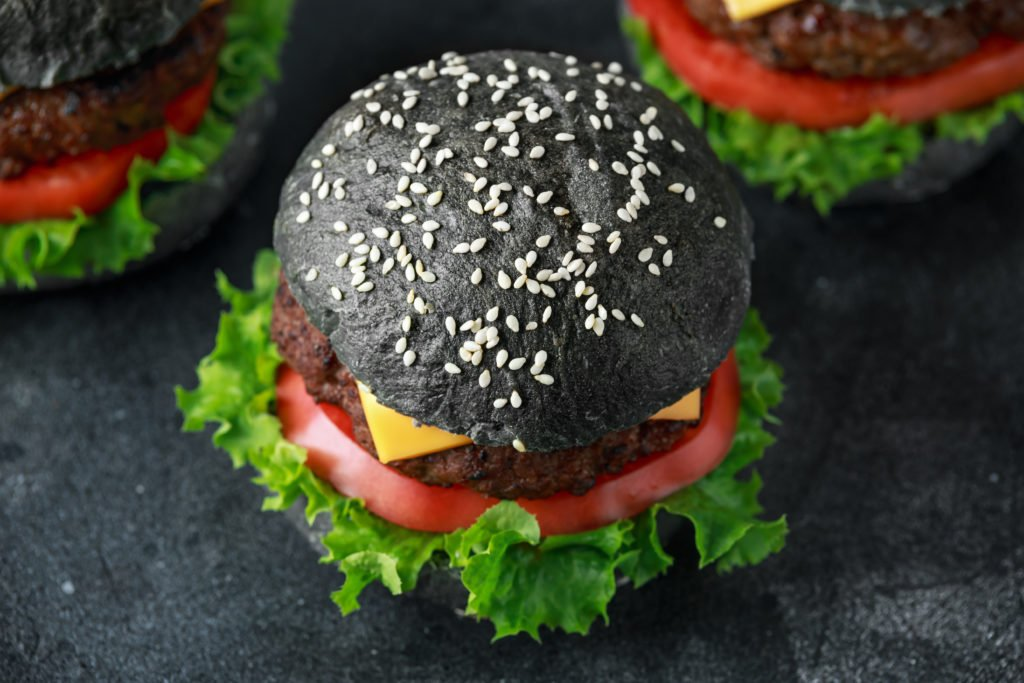 Black Food – Angesagt aber ungesund: Vorsicht bei diesen dunkelgefärbten Nahrungsmitteln