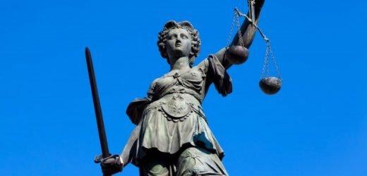 Heilpraktiker wegen nicht zugelassener Mittel für Krebspatienten vor Gericht