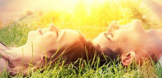 Frühlingsgefühle: Wie Hormone jetzt unseren Körper beeinflussen