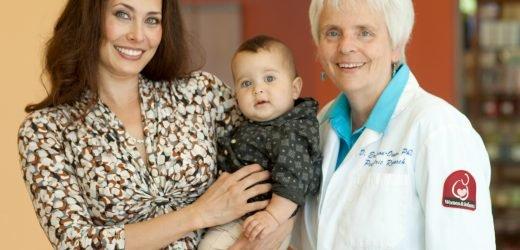 Studie zeigt Vorteile von delayed cord clamping in gesunde Babys