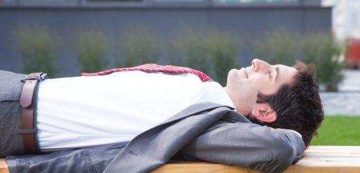 Bluthochdruck-Studien: Kurzes Mittagsschläfchen senkt Blutdruck wie niedrig dosierte Blutdrucksenker