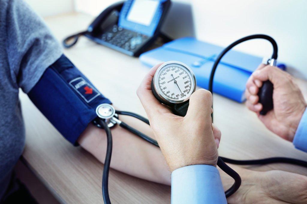 Bluthochdruck: Keine pauschalen Blutdruck-Empfehlungen ab diesem Alter