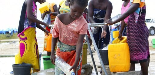 Cholera-Impfung Fahrt beginnt in Mosambik nach dem Zyklon