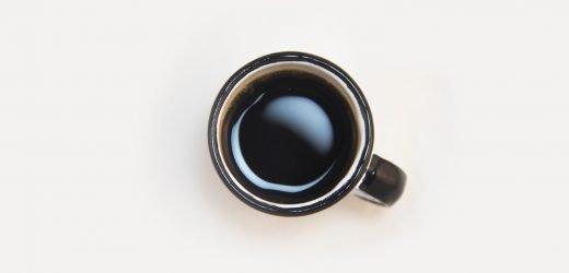 Kaffee-Süchtige wirklich aufwachen und riechen Sie den Kaffee