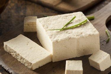 Eiweiße für den Muskelaufbau: Welche Menge Tofu ersetzt eine ganze Portion Fleisch?