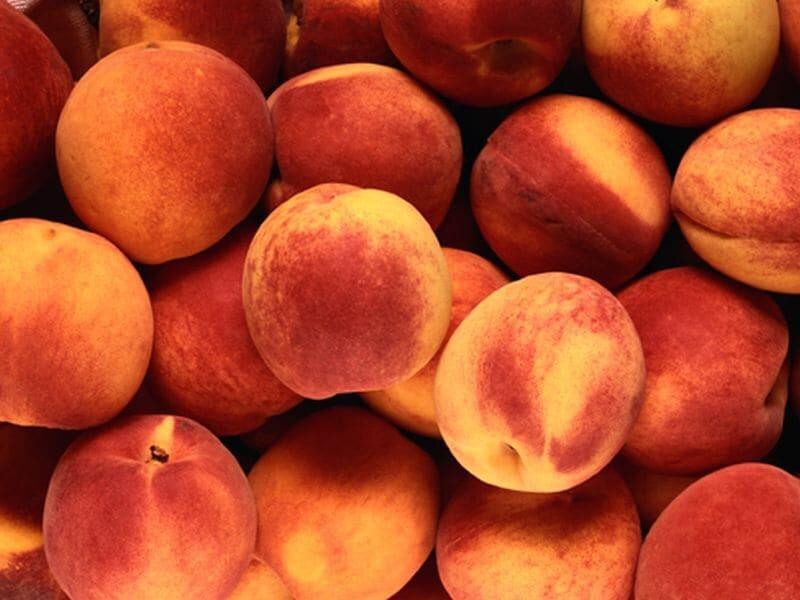 Gesund, lecker Kochen mit Sommer Pfirsiche, Pflaumen