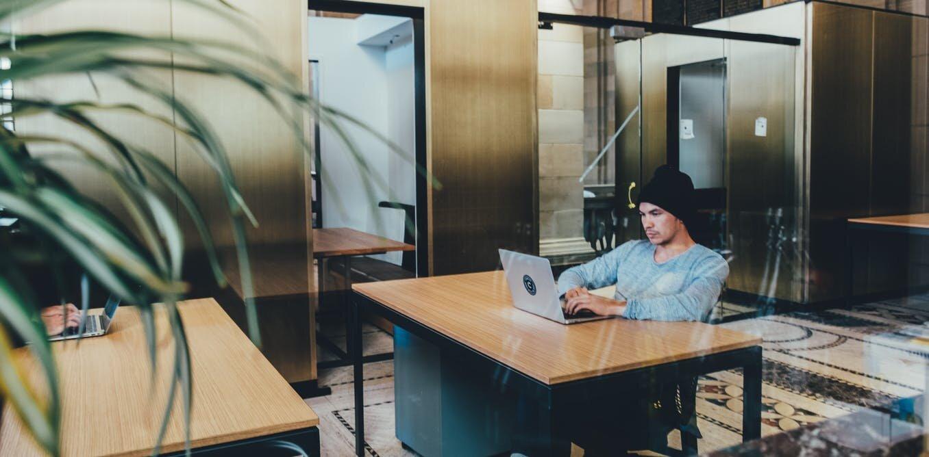 Wie zuvorkommend Arbeitnehmer mit Autismus Vorteile Arbeitgeber—und alle anderen auch
