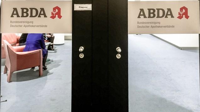 Die ABDA und die Apothekenreform – Ein Tanz auf dem Drahtseil