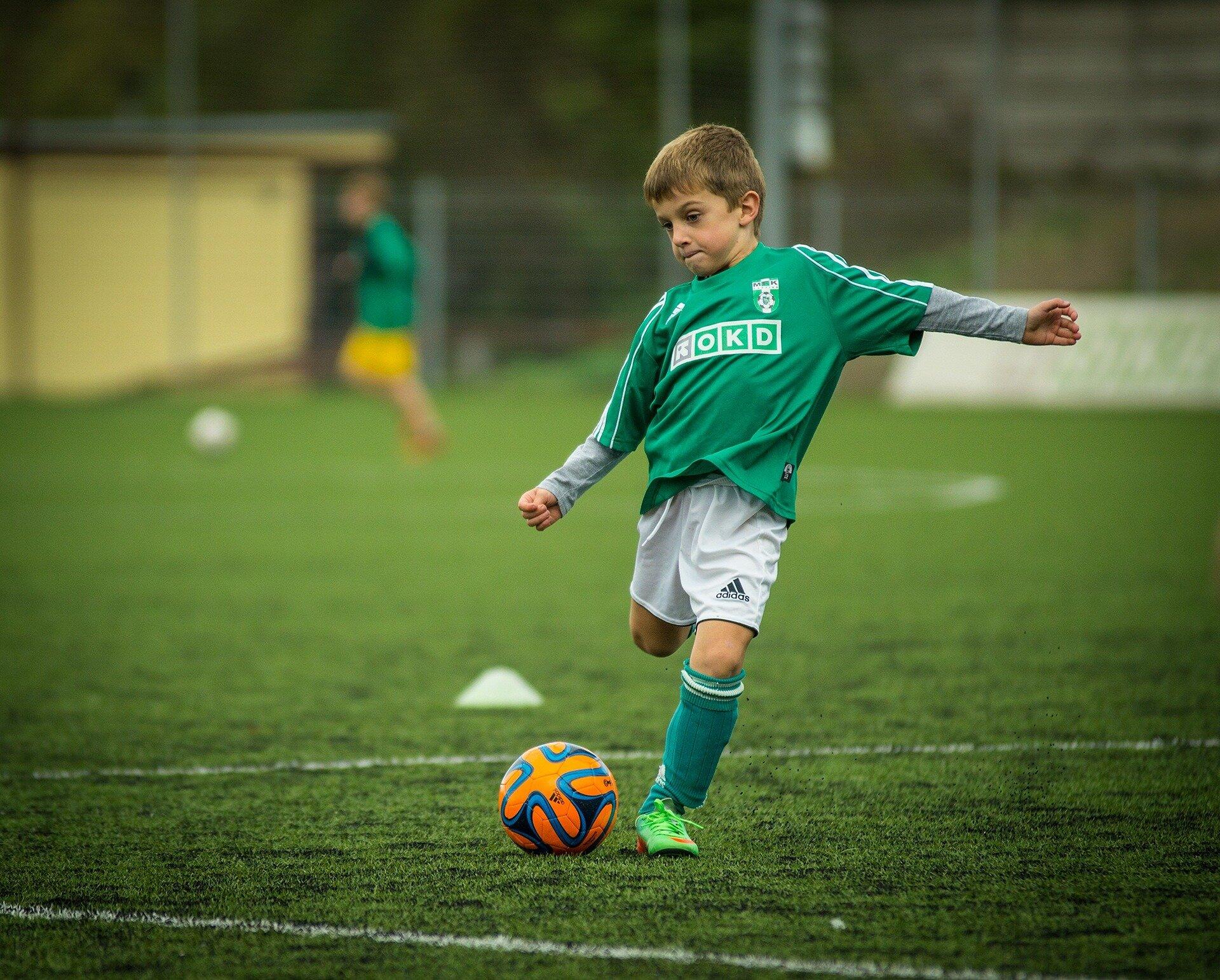 Mehr Kinder leiden unter Kopf-Verletzungen-spielen-Freizeit-Sport als mannschaftssport