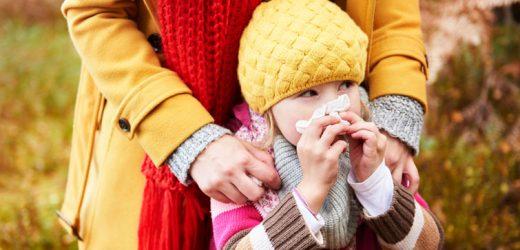 Erkältung: Wann muss mein Kind zum Arzt?