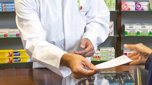 Apothekerehepaar und Mitarbeiterin wegen Rezeptbetrugs angeklagt