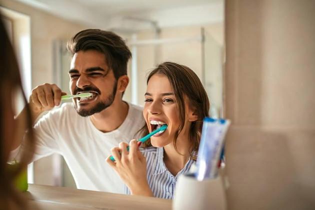 Karies ohne Zucker: Diese gesunden Lebensmittel schaden den Zähnen