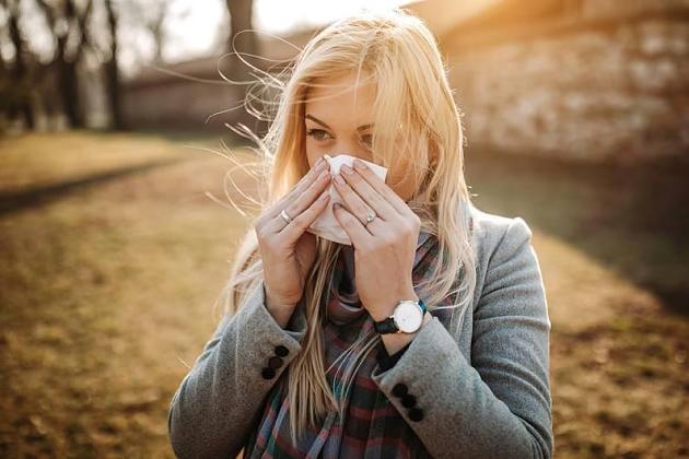 Hausarzt verrät, was Sie bei den ersten Anzeichen einer Erkältung tun sollten