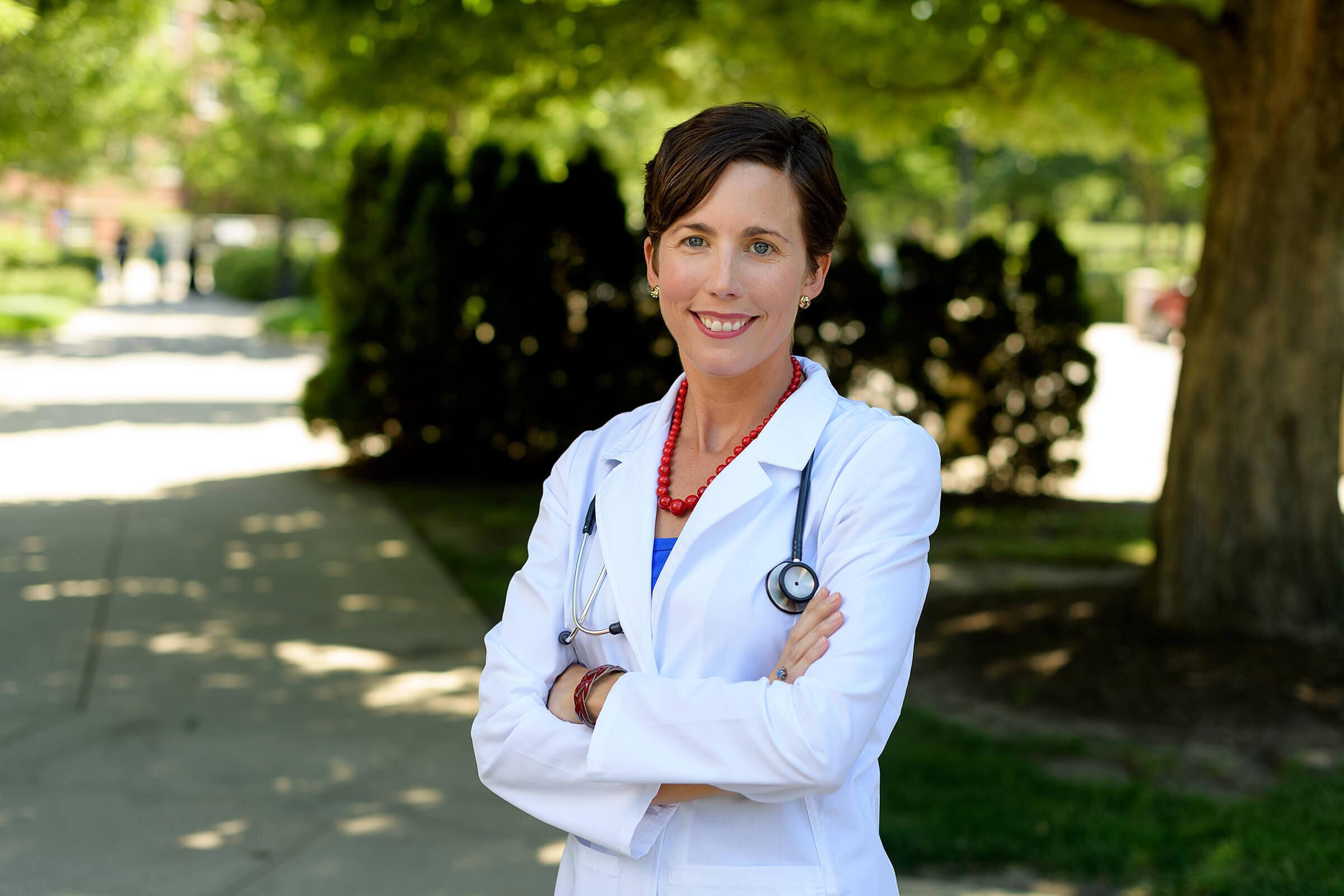 Schwangere Frauen und Personen mit chronischen Erkrankungen sollten eine Grippeschutzimpfung jetzt