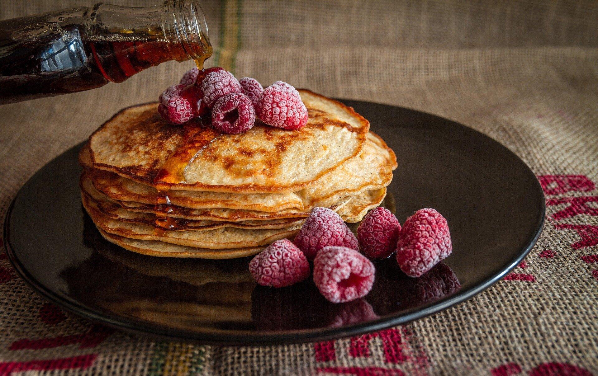 Menschen, die Essen ein großes Frühstück kann zu brennen doppelt so viele Kalorien