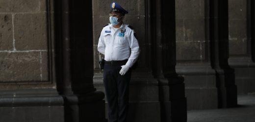 Zwanzig-sechs infizierten mit Covid-19 im mexikanischen Krankenhaus, Arzt, tot