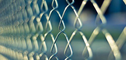 COVID-19: Vorteile und Nachteile der vorzeitigen Freilassung von Gefangenen
