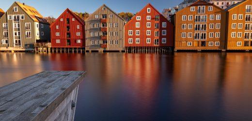 Norwegische Schulen öffnen am Montag, den Balken im Juni