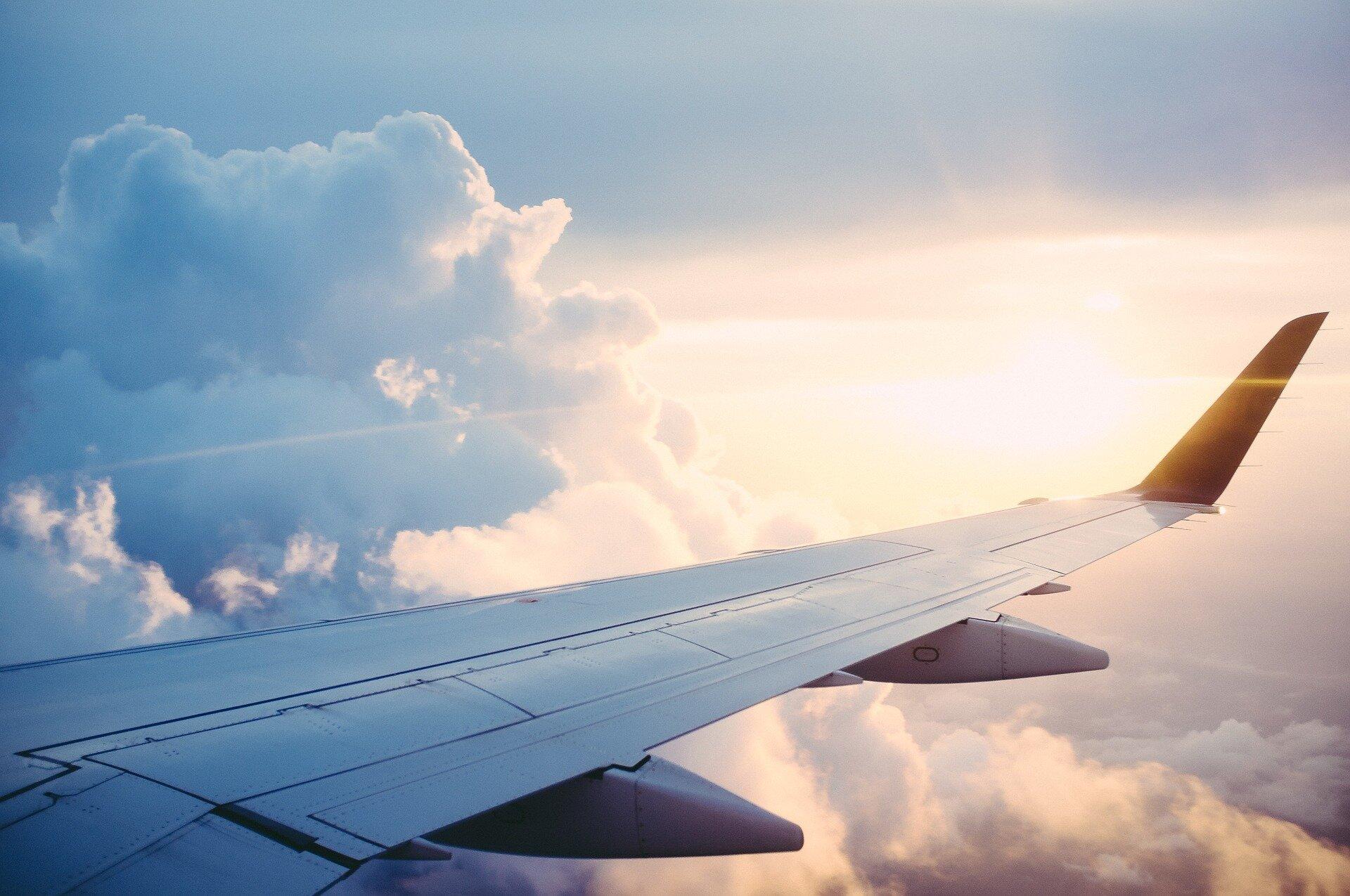 Sollten Sie Fliegen noch? Ein Epidemiologe und eine Belichtung aus, die Wissenschaftler gehen Sie durch den Entscheidungsprozess