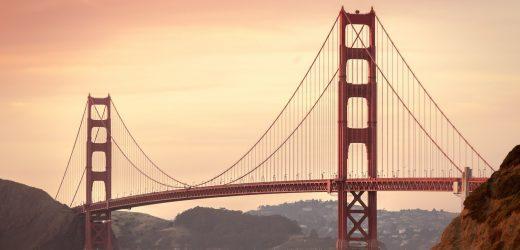 Pack Badesachen, Maske, Kalifornien, begrüßt Touristen zurück