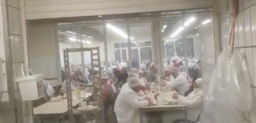 Jetzt mindestens 79 Mitarbeiter in Dönerfabrik in Moers infiziert