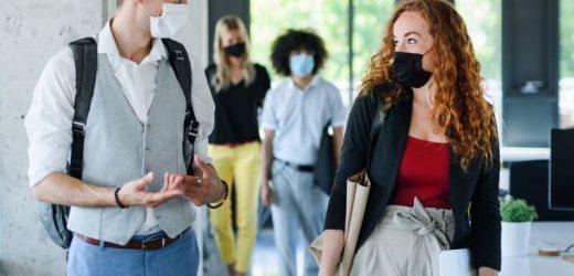 Masken, video-Anrufe: Pandemie hemmt die Kommunikation für Menschen mit Hörbehinderung