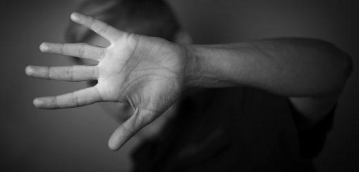 Achtsamkeitstraining hilft den Männern, die Wut verwalten