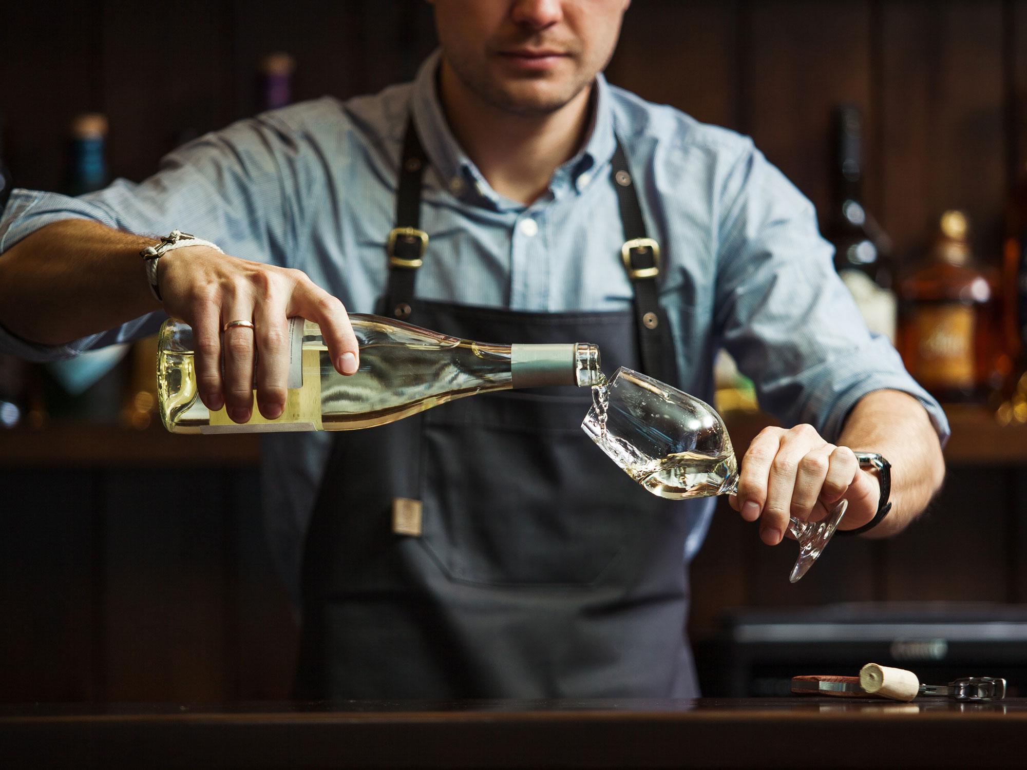 Selbst leichter Alkoholkonsum macht dick