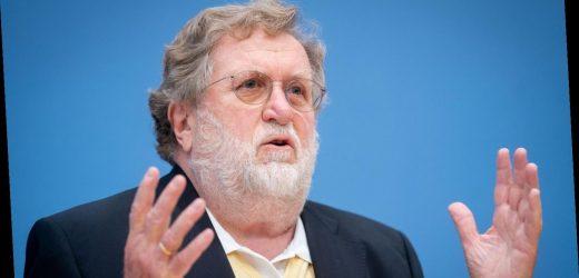 Stiko-Chef rechnet fest mit digitalem Impfpass – CSU bringt Kombi-Lösung ins Spiel