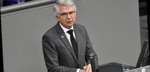Ullmann (FDP): Ärzte und Apotheker müssen schneller informiert werden